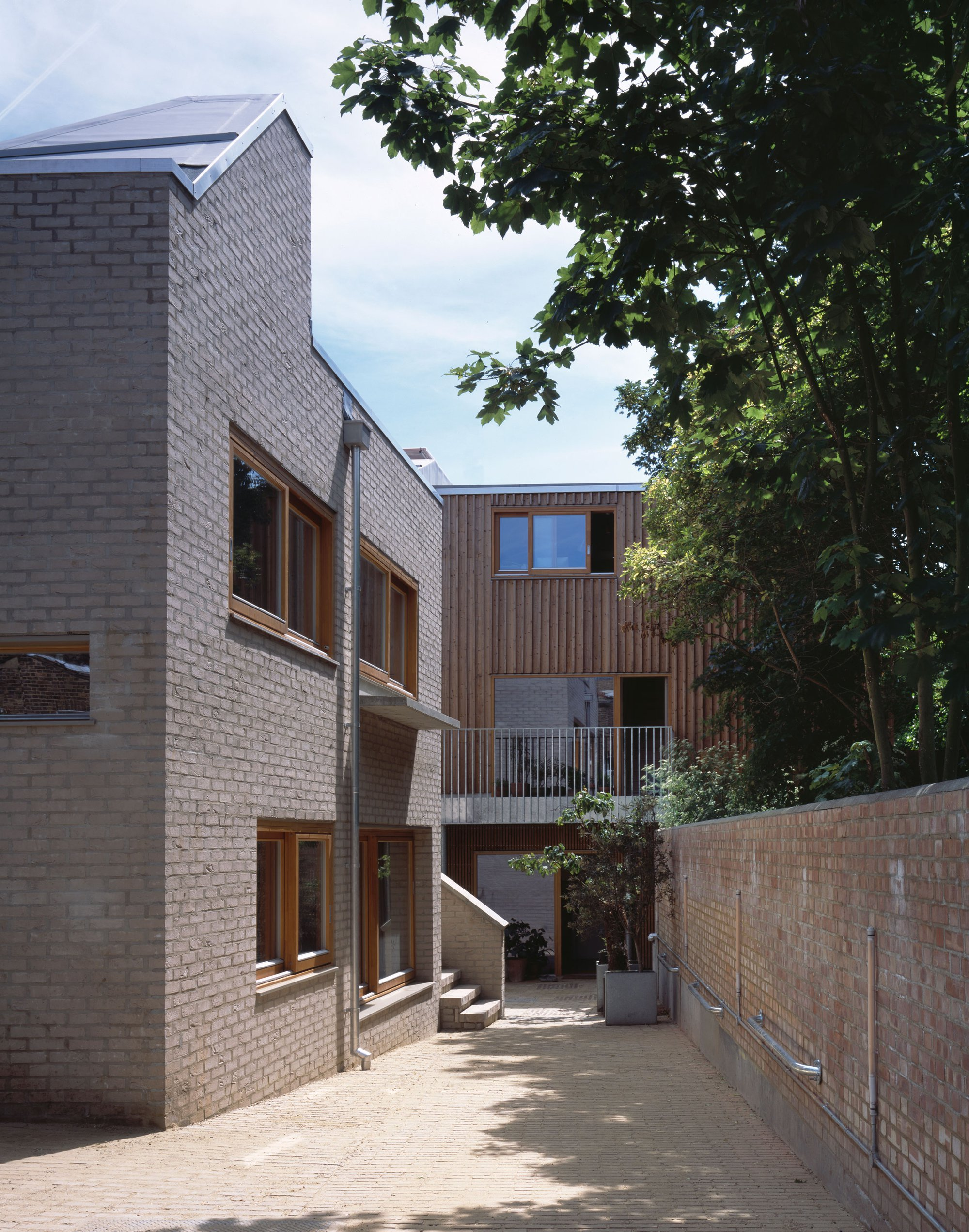 Copper lane works henley halebrown 1 6 copper lane replaces a disused childrens nursery on a 1000m2 backland site behind residential streets malvernweather Gallery